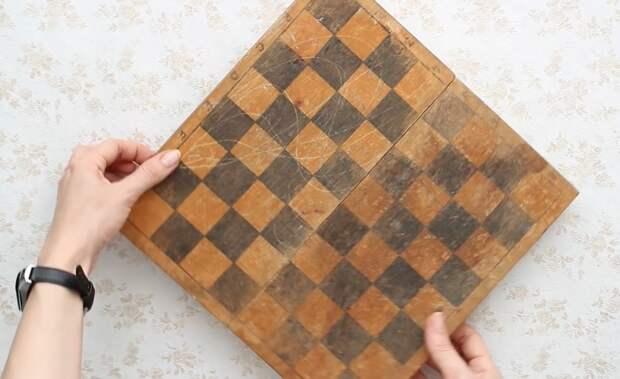 Полезная и практичная переделка шахматной доски. Результат понравится каждой девушке