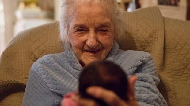 Врачи дали ей 2 недели и просили ″попрощаться″. Вот как ее спасла эта малышка...