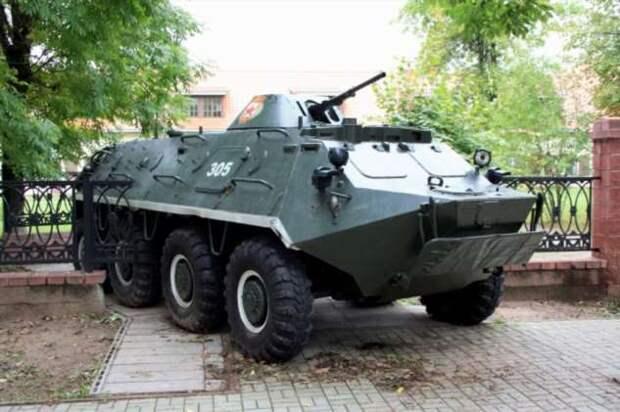 Как в Советском Союзе появился знаменитый БТР-60 — машина с повышенной проходимостью (6 фото)