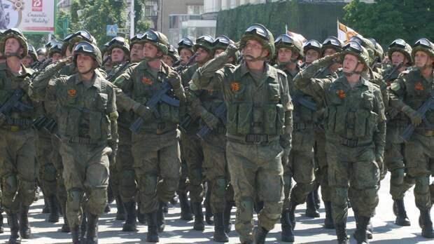 В ЛНР состоялся военный парад по случаю Дня Победы