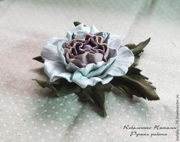 Мастерим розу из кожи