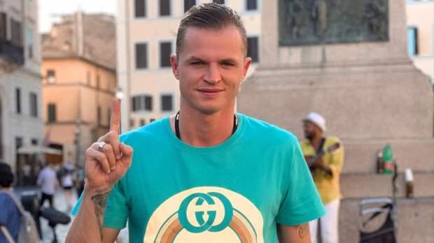 Подписчики высмеяли Дмитрия Тарасова из-за желания учить других отношениям в семье