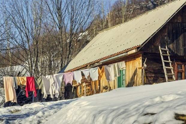 Просушка одежды на даче ранней весной