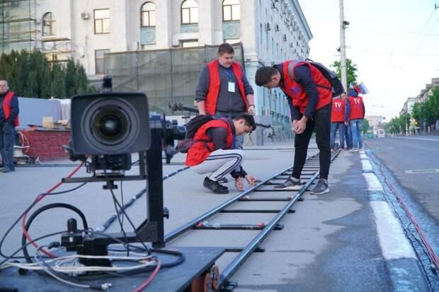 Три километра проводов и команда из 150 человек: что происходило за кадром трансляции Парада Победы в Симферополе 9 мая 2021