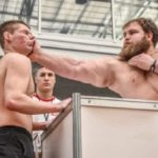 В Красноярске прошел первый чемпионат по мужским пощечинам. Как Вам такой спорт?