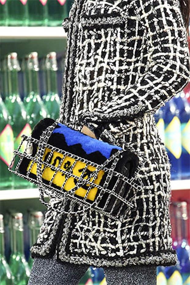 Сумка от Шанель - сочетание синего и желтого цветов