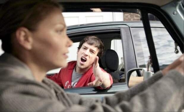 Кто опаснее за рулём: девушки или мужчины?