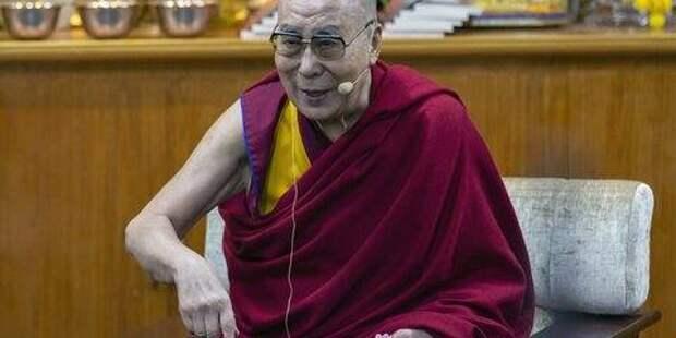 Далай-лама связал эпидемию COVID-19 с кармой