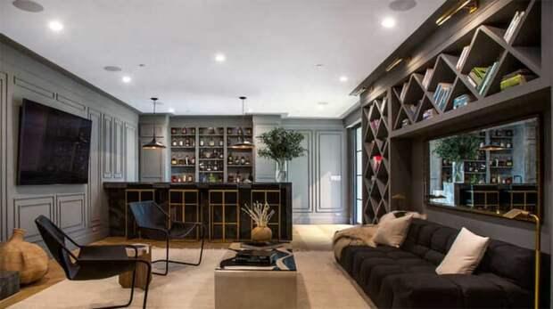 В гостях у Рианны: экскурсия по новому дому певицы в Беверли-Хиллз за 14 миллионов долларов