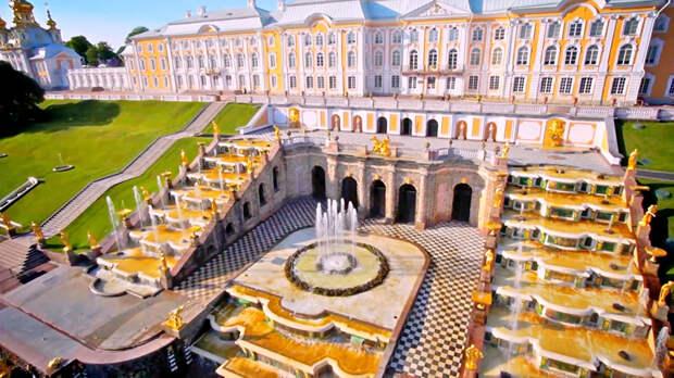 Ретрокалендарь: от первой грампластинки до музея в Петергофе