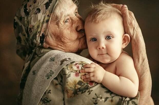 Чтобы назвать ребенка в честь бабушки, следовало придерживаться особых правил. /Фото: i.mycdn.me
