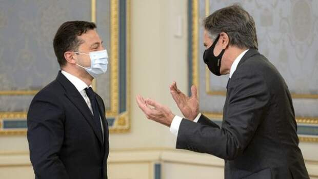 Украина переходит от внешнего управления к полному подчинению интересам США