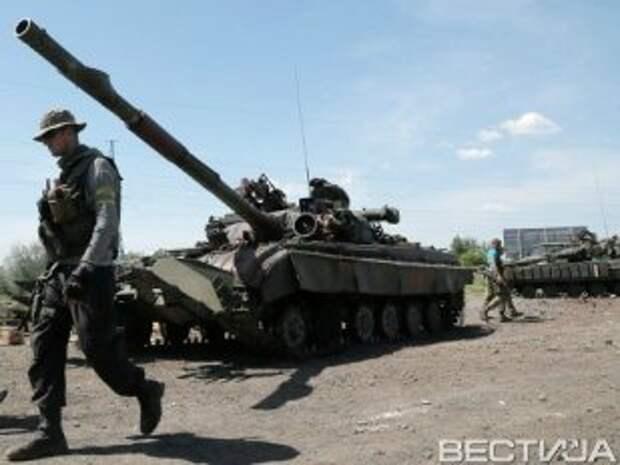 Колонны с боевиками и техникой зашли в Луганск