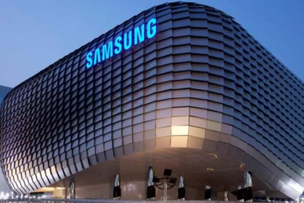 В Сан-Франциско Samsung представил гибкий смартфон с двумя дисплеями (ВИДЕО)
