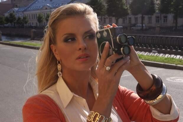 Анна Семенович растрогала подписчиков детской фотографией