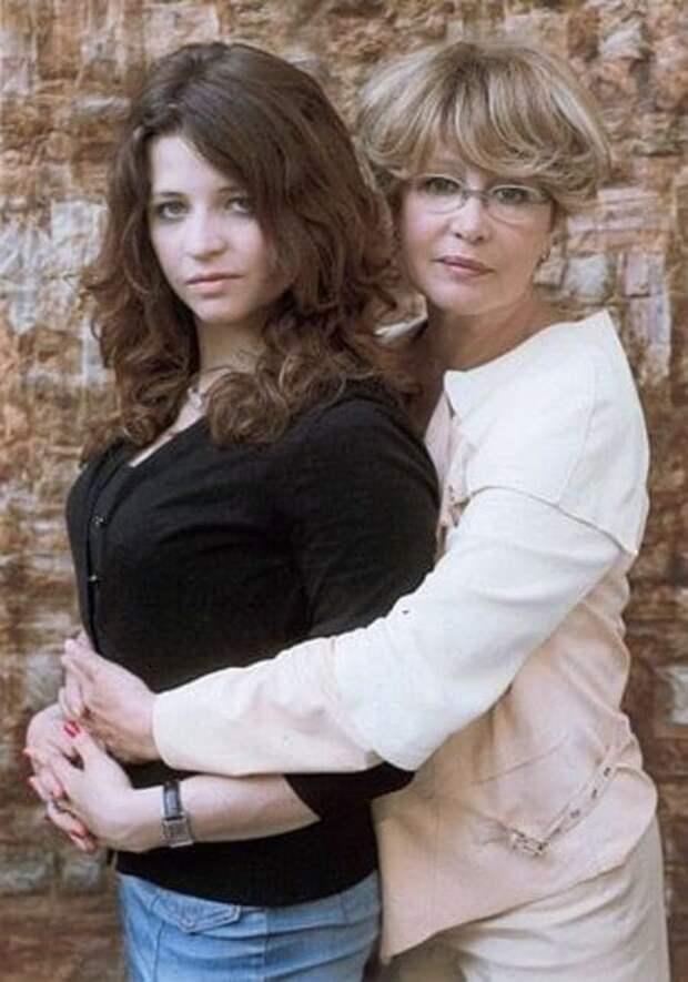 марина неелова с дочерью