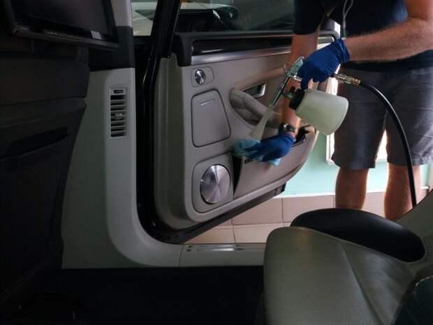 Как самостоятельно выполнить химчистку автомобиля