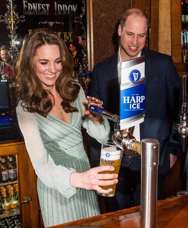 Что заказывают Кейт Миддлтон и принц Уильям, если у них получается попасть в бар?