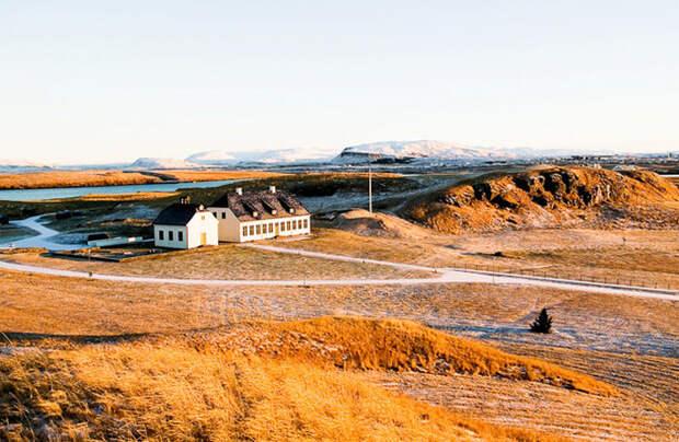 https://wiki-turizm.ru//cache/multithumb_mob/thumb__uploads_countries_iceland_sz_sz_reykjavik30.jpg