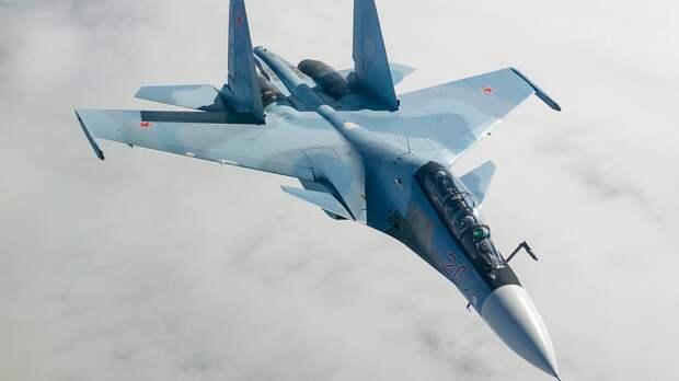 В Сети появились кадры перехвата истребителем Су-30 самолетов ВВС Франции над Черным морем
