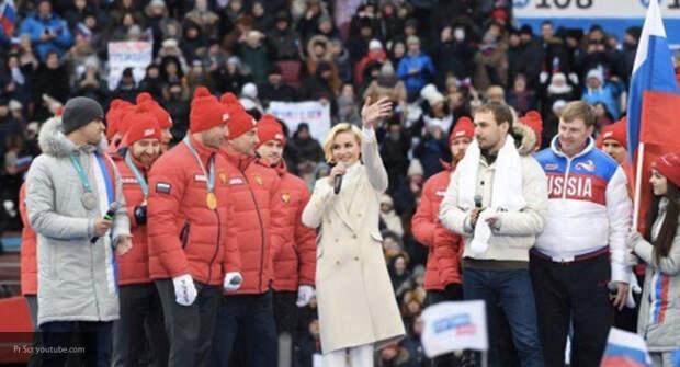 Нас миллионы! Топ-10 звёздных женщин, поддержавших президента