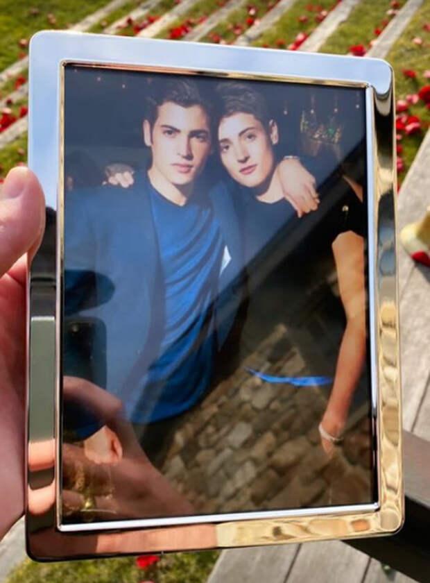 Сын Стефани Сеймур Питер Брант опубликовал трагичный пост в связи со смертью своего брата Гарри