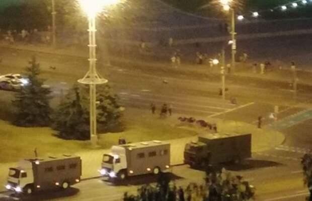 Выборы президента Белоруссии переросли в столкновения в Минске