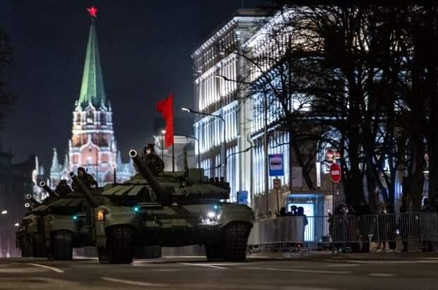 В Москве прошла вторая ночная репетиция Парада Победы