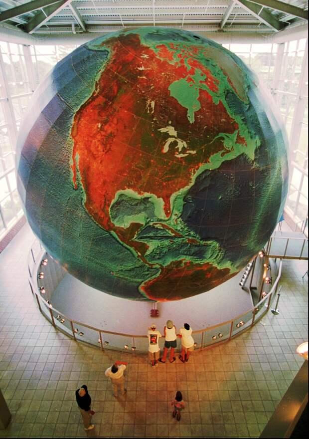 Не просто двойные стандарты: невозможность морали в многополярном мире