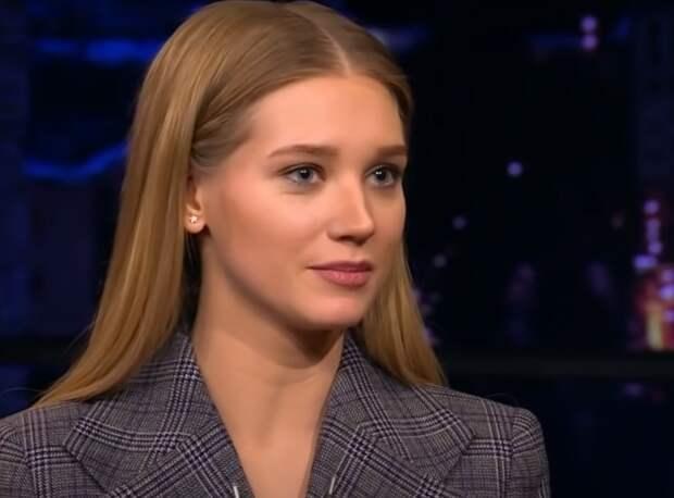 Режиссер Учитель отреагировал на слухи о романе с Кристиной Асмус