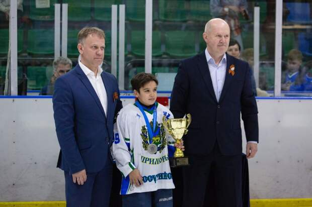 """""""Серебром"""" и двумя """"бронзами"""" завершили сезон уссурийские хоккеисты"""