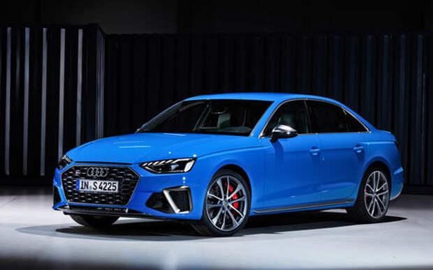 Новый Audi A4: он умеет... «читать» светофоры!